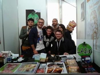 LABO fumetto a Lucca Comics: Nicola Sammarco, Fabrizio Liuzzi (primi due a sinistra) e Gianfranco Vitti (seduto, a destra)