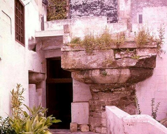 Estremamente Il tempio dorico di Piazza Castello: il più antico della Magna  SW22