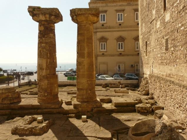 Popolare Il tempio dorico di Piazza Castello: il più antico della Magna  KK11