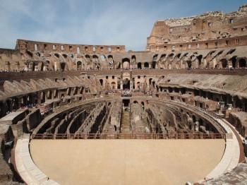 COD_26_800px-Binnenzijde_Colosseum-586x439