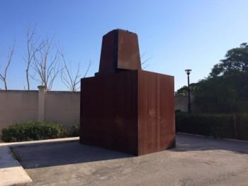 bari-la-carboniera-di-jannis-kounellis-trasferita-da-piazza-ferrarese-agli-spazi-esterni-della-cittadella-della-cultura-1-1438676173-670