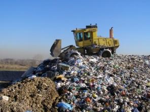 Una-discarica-di-rifiuti-1-e1370553517364